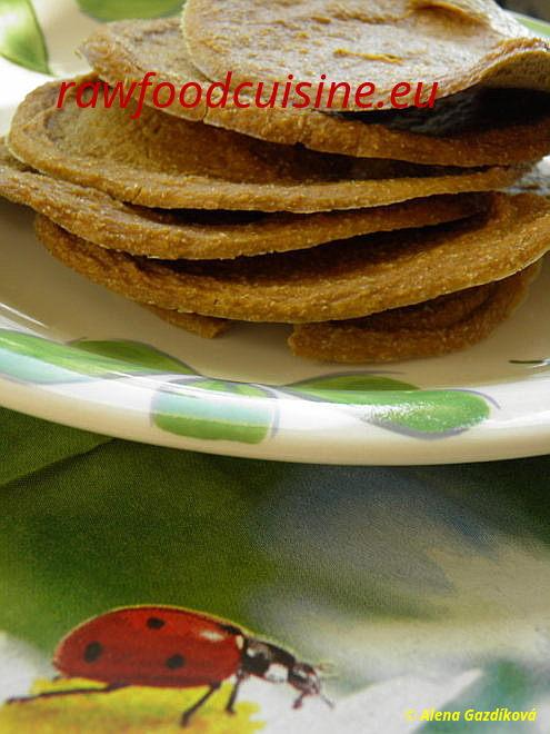 Raw šošovicový chlieb