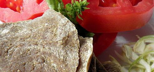 Raw chlieb zovsených vločiek a tekvicovej múky