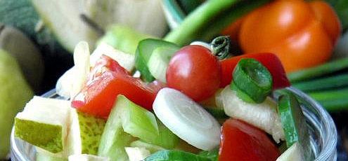 Zeleninový šalát shruškou