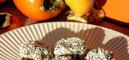 Raw vegan jablkovo-mrkvové koláčiky s hurmikaki