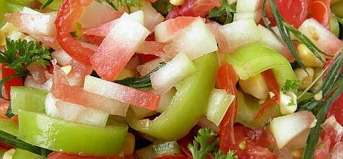 Raw vegan letný šalát smelónom