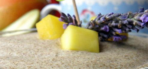 Raw vegan levanduľový chia puding s ovocim