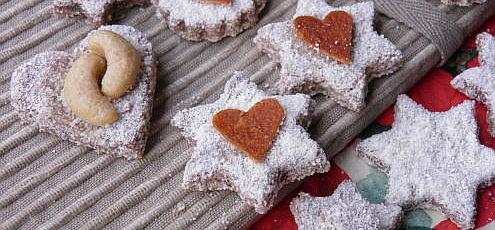 Raw vegan vianočné orechové koláčiky