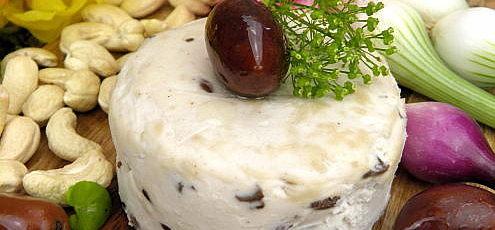 Raw vegan čerstvý syr solivami